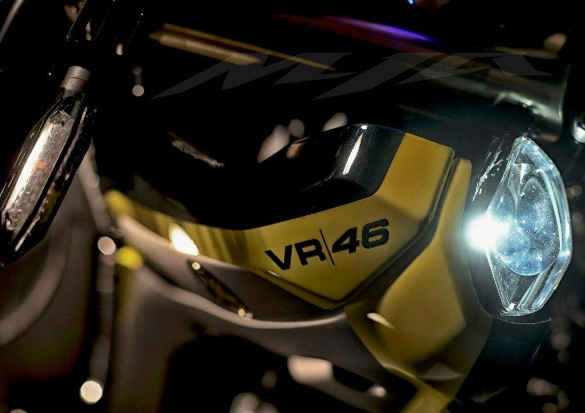 MYA, Hadiah Spesial Untuk Valentino Rossi Dari Kru VR|46 !!!