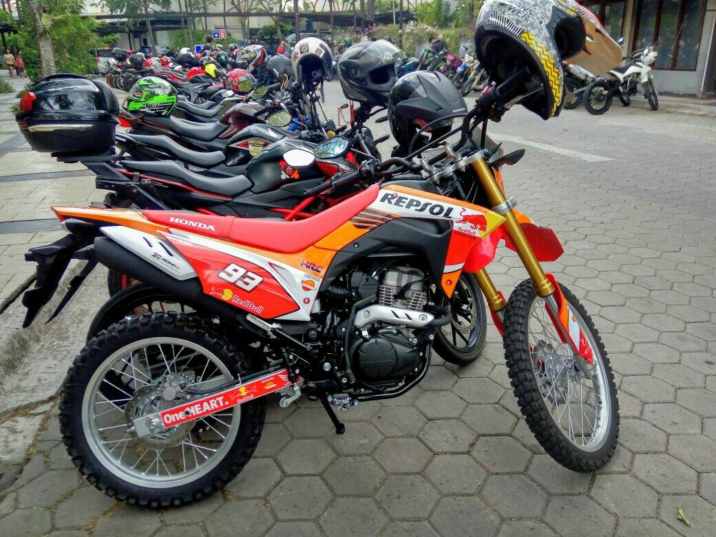 Honda CRF 150 L Dibalut Livery Repsol MotoGP Marc Marquez Keren