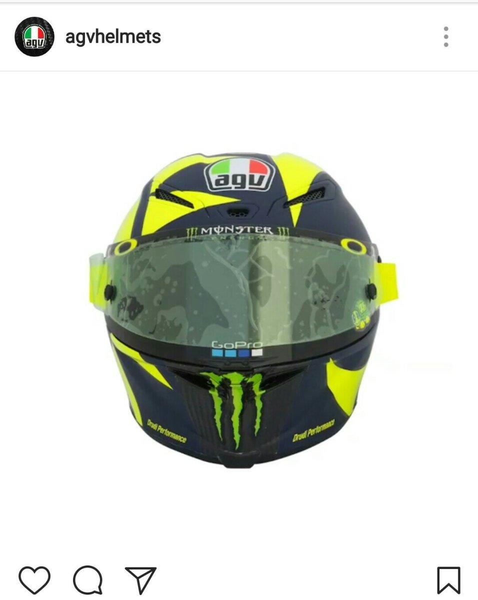 Penampakan Lengkap Helm Baru Valentino Rossi Untuk MotoGP 2018, Keren Nih !!!